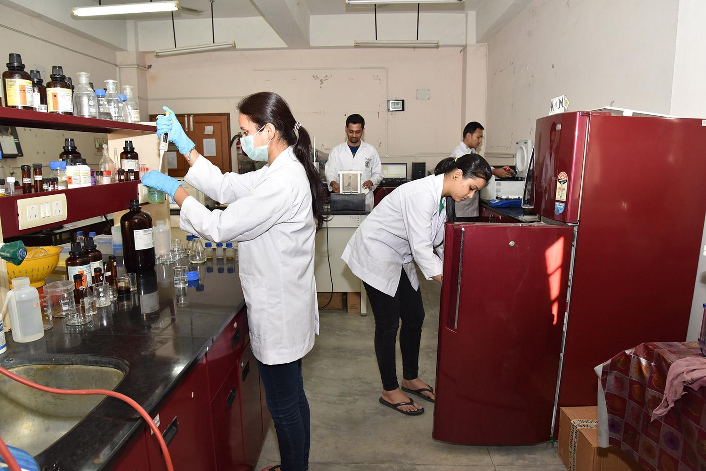Material Nanochemistry Lab